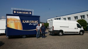 Bierausschankwagen GA 4000-8 EAT während der Übergabe an Getränke Gortner aus Homburg