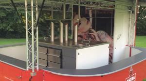 Biermobil Moritz im besonderen Design der hamburgischen Kultbrauerei ASTRA