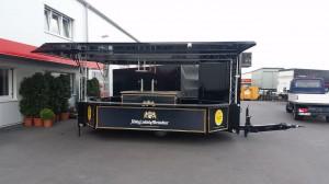 Der mobile Bierstand GA 5000-8 EKT im aufgebauten Zustand