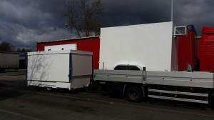Mobiler Bierstand GA 4000-8 E und ein Tandem-Kühlfahrzeug auf den Weg zu Kuhlmann nach Wallenhorst