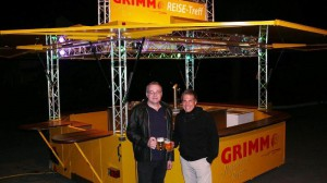 Promotionsfahrzeug von CTR Fahrzeuge für Grimm Reisen