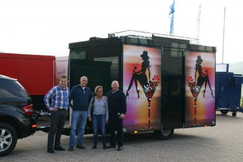 Schaustellerbetrieb Welte mit Aufsehen erregendem Cocktailwagen