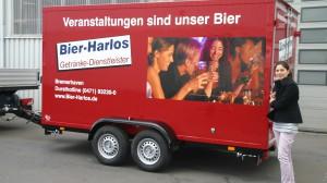 Tandem- Kühlanhänger an Getränke Harlos