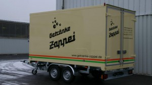 Tandem-Kühlanhänger im Hochladersystem und Design der Firma Zappei aus Cochem