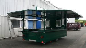 Ausschankmobil des Typs Iris kurz vor der Beschriftung im Design der Eichbaum Brauerei