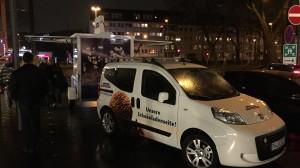 Der Partycooler in Köln mit dem gebrandeten Zugfahrzeug