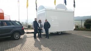 Herr und Frau Arning mit CTR-Vertriebsleiter Bonefas