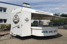 Gebrauchter Getränkeausschankwagen mit Kühlhaus
