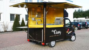 kleines-verkaufsmobil-konzept-os-curry-offen