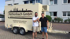 Der stolze Besitzer und sein Kühlwagen