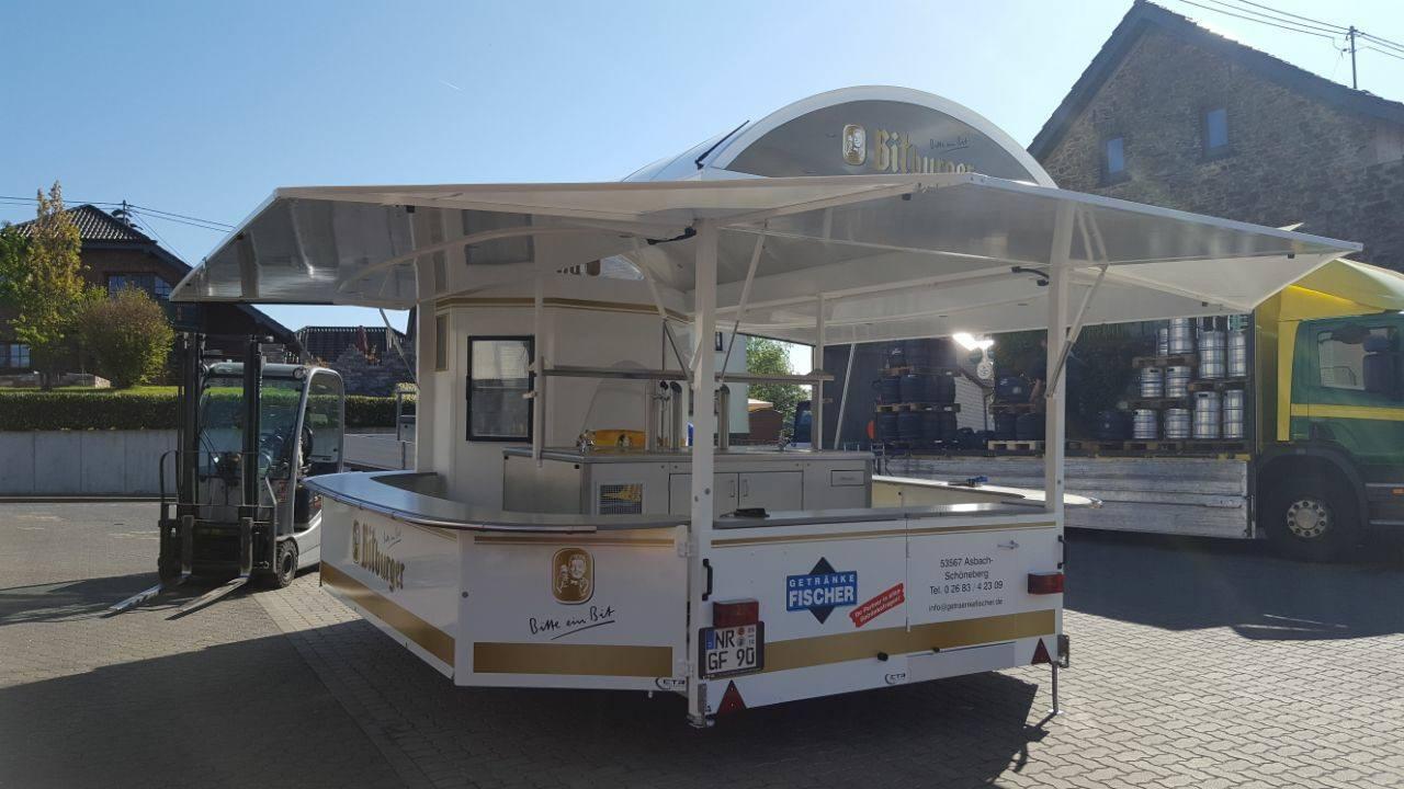 Renoviert: Ausschankwagen für Getränke Fischer und Getränke Meyer