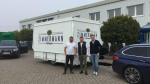 Mehr als Geschäftspartner: Michael Bonefas und seine Kunden von FZ Getränke.
