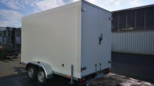 Im Fuhrpark hat man bereits zehn Ausschankwagen und Kühlanhänger.